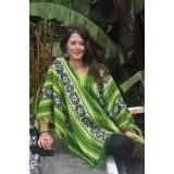 Le traditionnel poncho péruvien vert des Andes