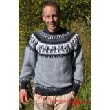 Pull épais gris en laine